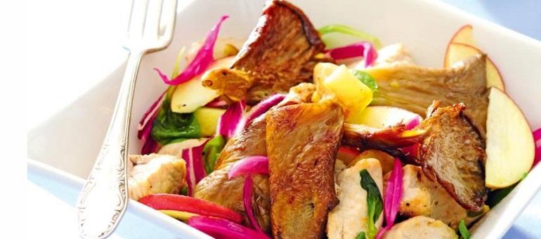 Салаты с курицей на Новый год 2020: рецепты с фото простые и вкусные