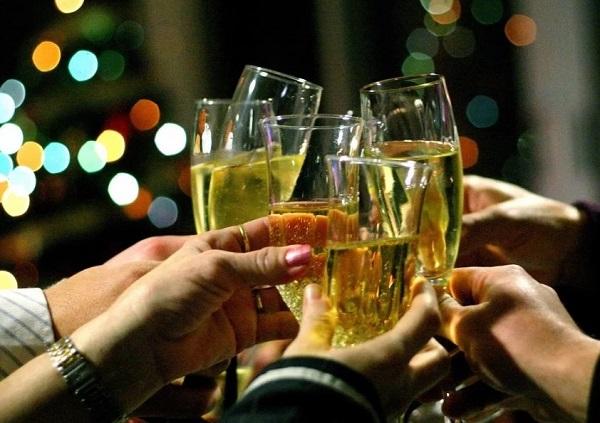 Новогодняя корпоративная вечеринка - что говорить за столом