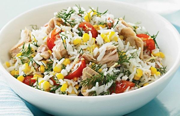 Рис с консервированной рыбой