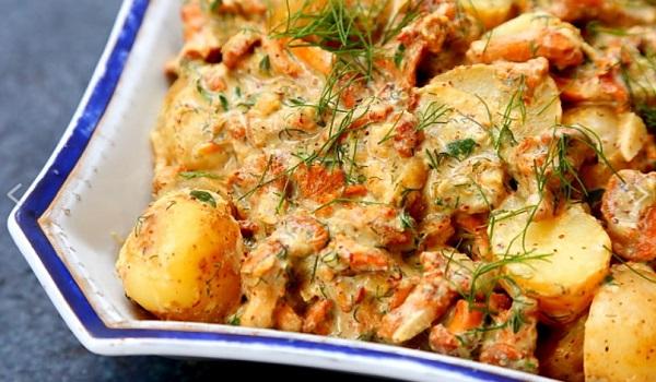 Что приготовить на Новый год 2020: картофель в духовке