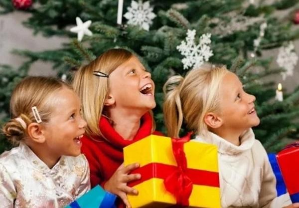 Подарок на Новый год 2021 для девочки: недорогие