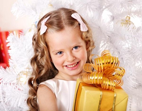 Подарок на Новый год 2021 для девочки: оригинальные идеи