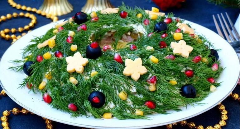 Новогодние салаты: новинки интересных рецептов на Новый год 2022 Тигра